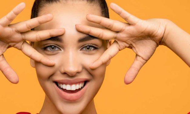 Perfecting Makeup With False Eyelashes